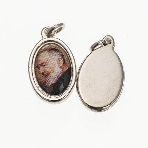 Medaglia S. Padre Pio metallo argentato resina 1,5x1 cm 1