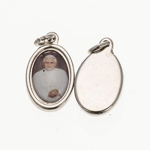 Médaille Benoit XVI argentée 1,5x1 cm 1