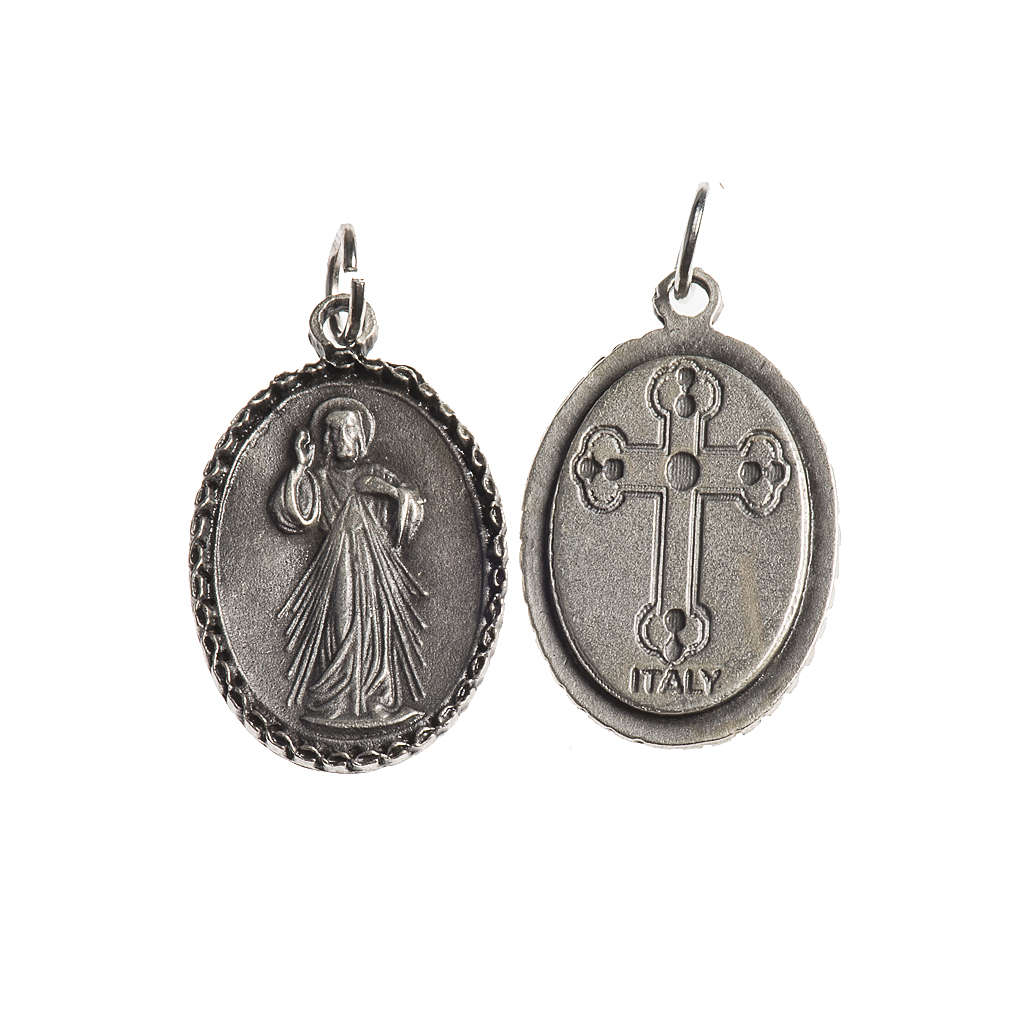 Medalha Cristo Misericordioso oval borda decorada zamak prata antiga 4