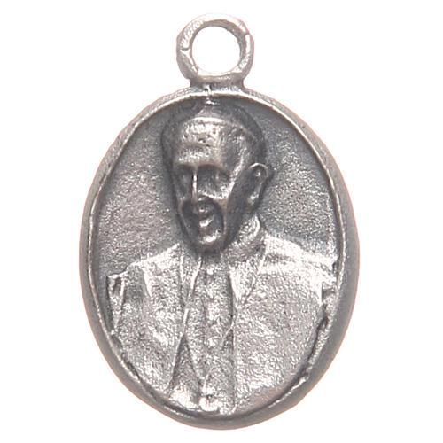 Pequeña medalla Papa Francisco y Jesús Misericordioso 1