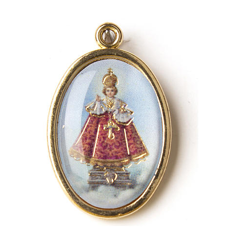 Infant Jesus of Prague medal in gold with resin image 1