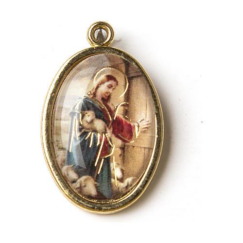 Medalla Dorada con imagen Resinada Buen Pastor 1