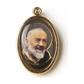 Golden medal with resin image of Saint Pio in resin s1