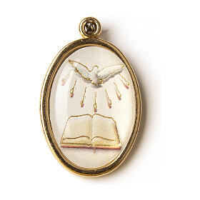 Medalha dourada com imagem Crisma Espírito Santo livro resina s1