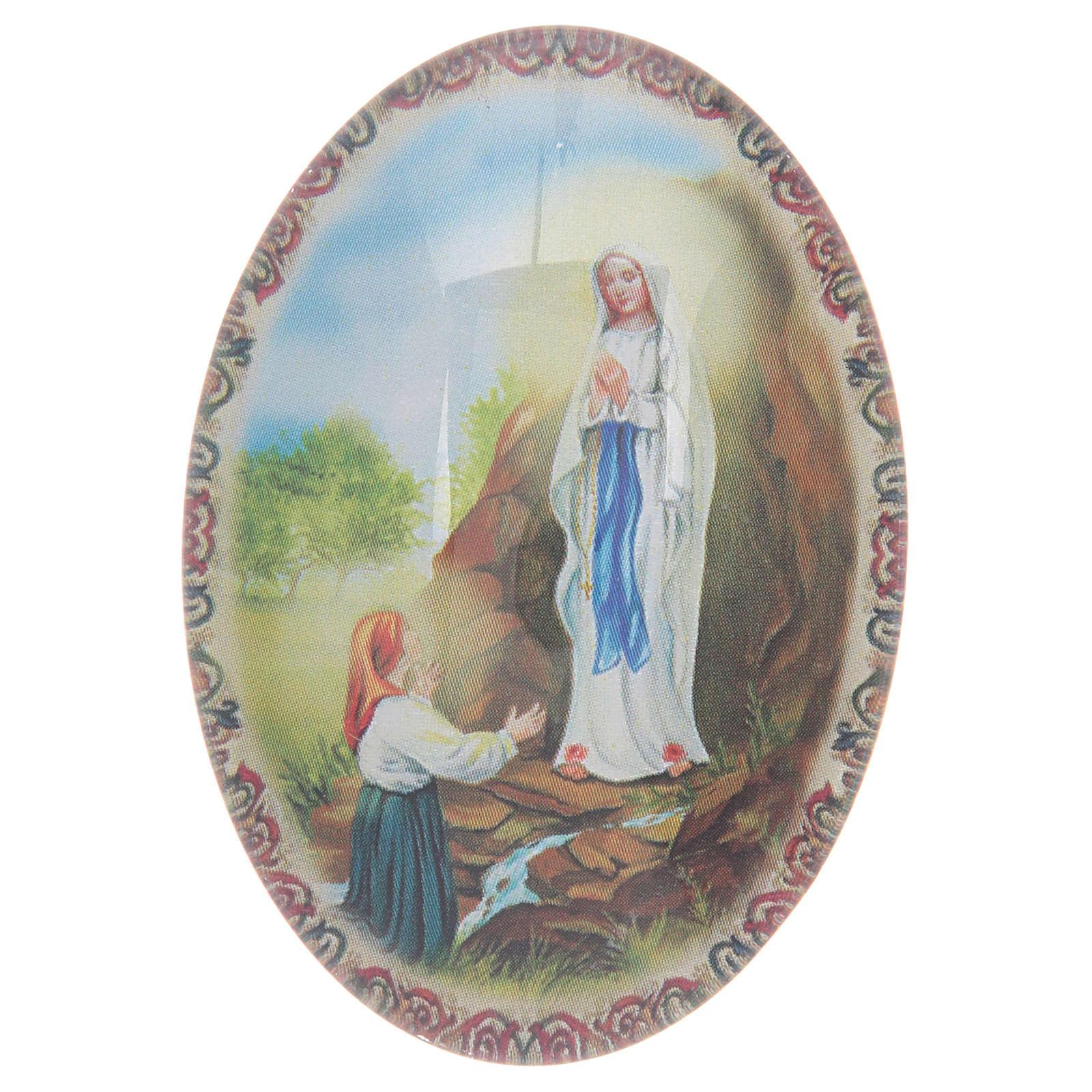 Imán de vidrio ovalado con Virgen de Lourdes 3