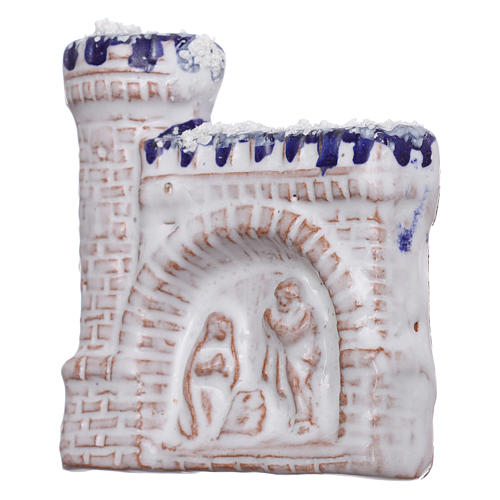 Calamita castello bianco con bassorilievo della Natività in terracotta Deruta 2