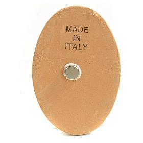 Round shaped magnet terracotta Nativity. s4