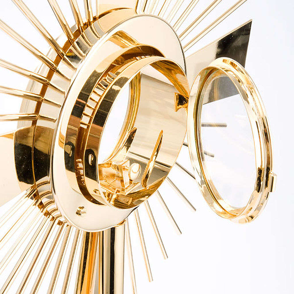 Concelebrating host monstrance classic style 4