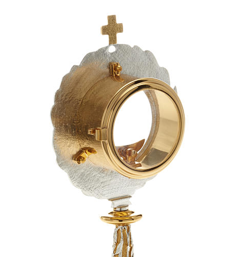Monstrance with bay leaves 9