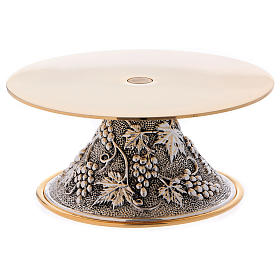 Support for monstrance, round base with grapes decoration s1