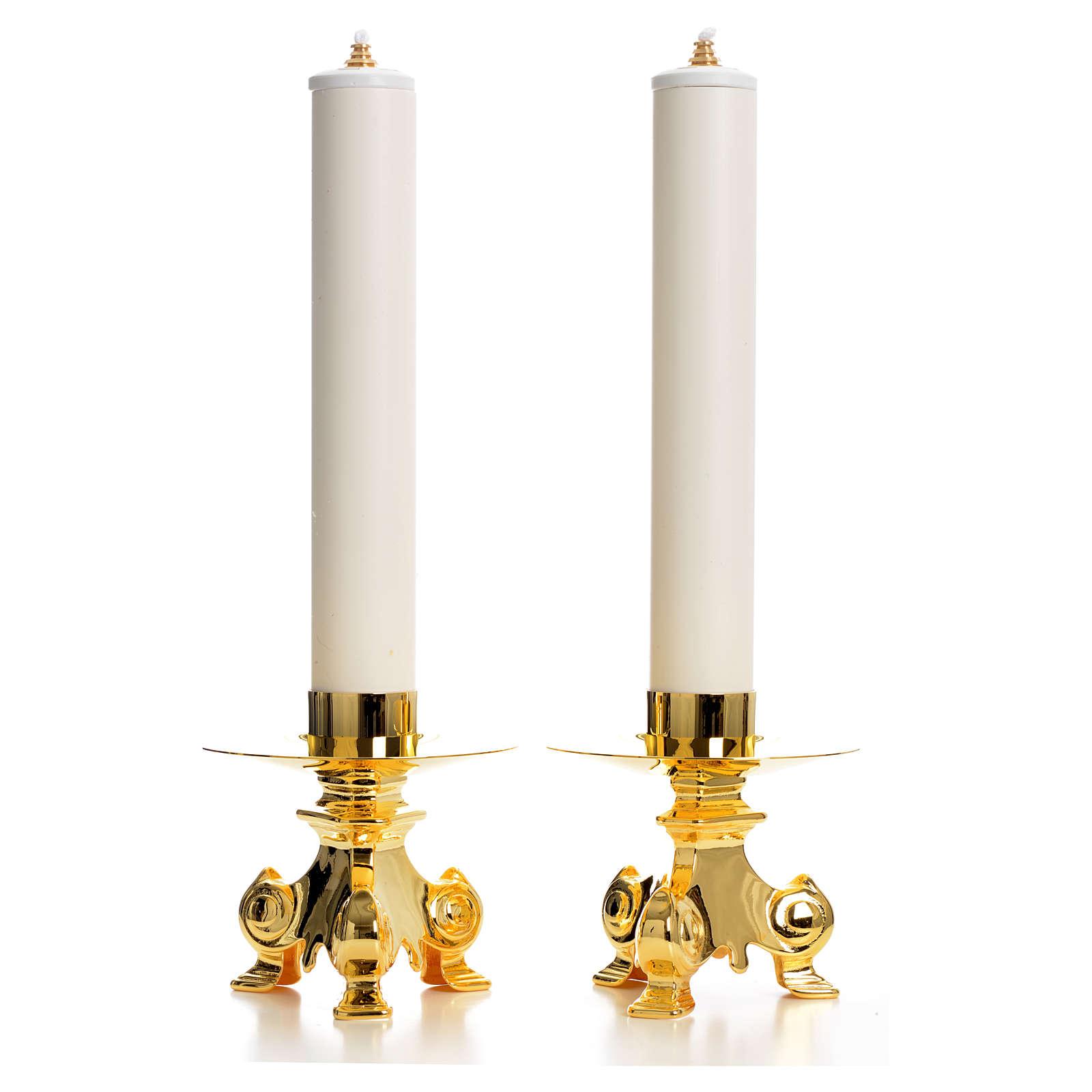 Castiçais com velas em pvc 4