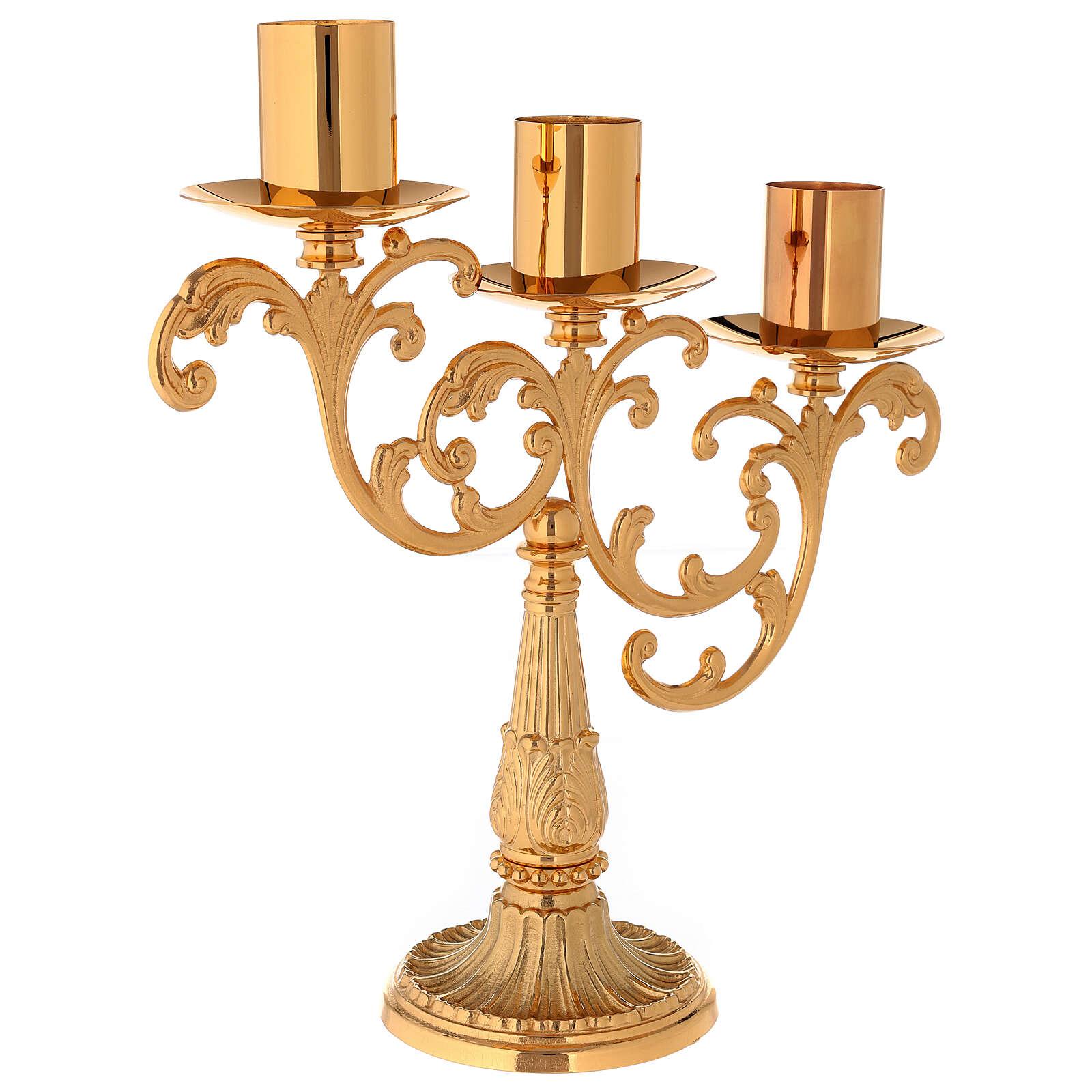 Candelabro em latão moldado 3 velas 4