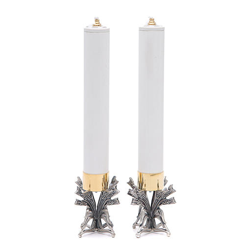 Pareja candeleros peltre plateado con vela 2