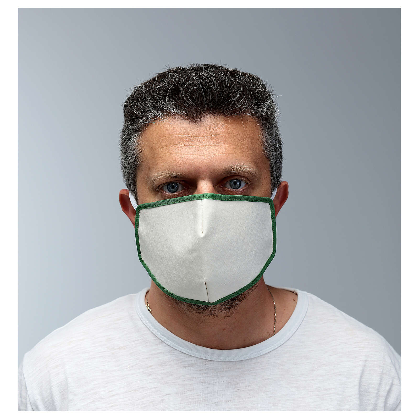 Mascherina in stoffa riutilizzabile bordo verde 3