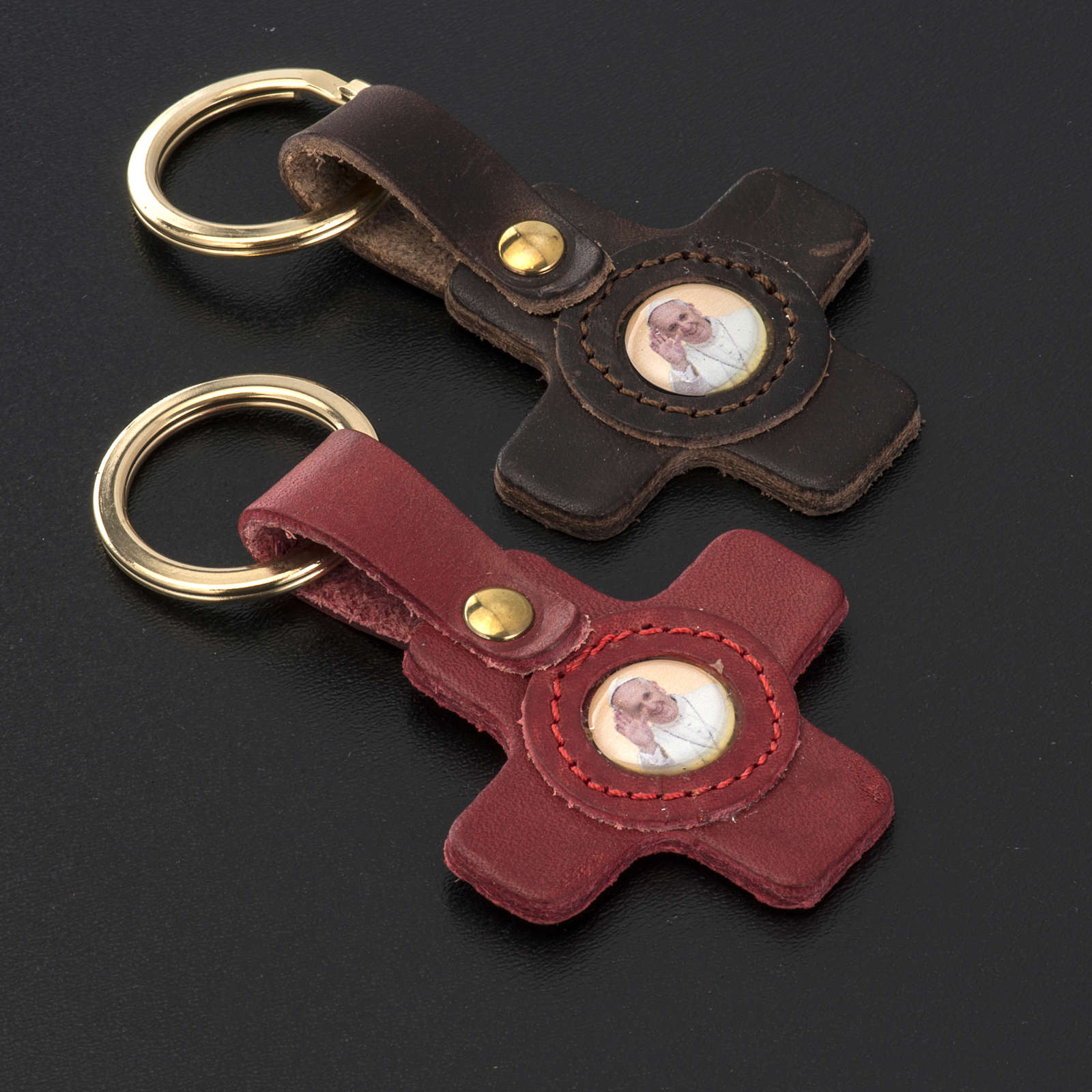 Pope Francis key ring in leather cross shaped 3