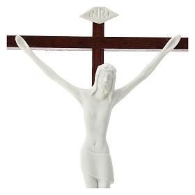 Crucifijo porcelana blanca y madera 20 cm s2