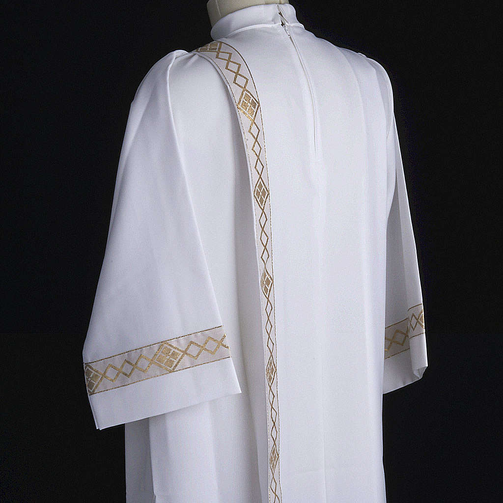 Holy Communion Alb with 2 pleats and golden edge 4
