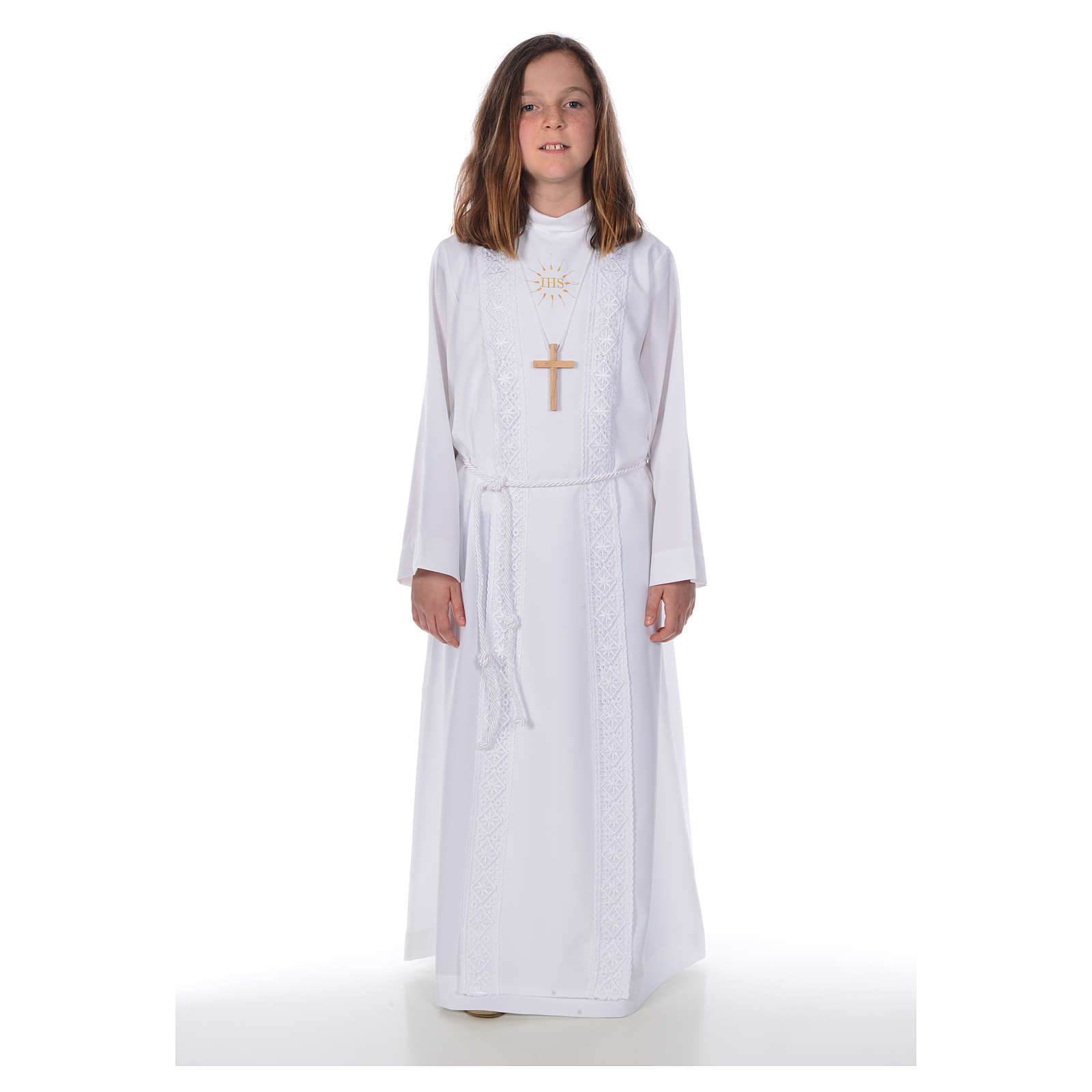 First Holy Communion alb for girl with macramé embroidery 4