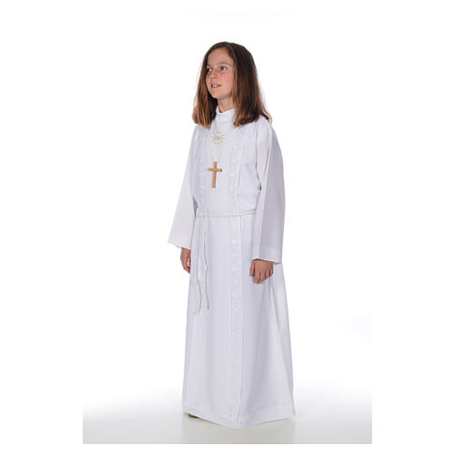 First Holy Communion alb for girl with macramé embroidery 2