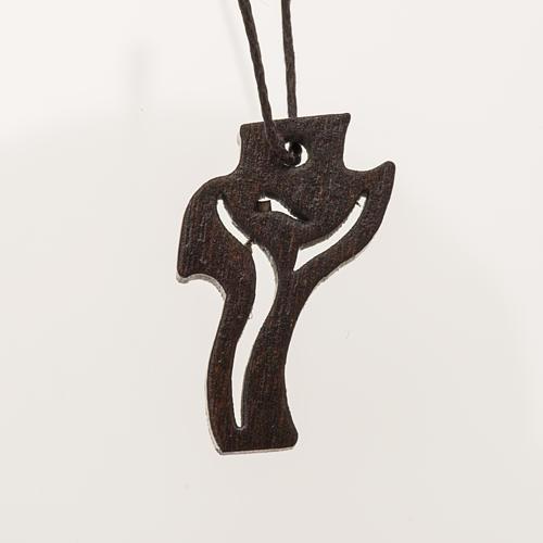 dunkles Holzkreuz für Erstkommunion Motiv Wiederauferstandener 3,6x2,0 cm 1