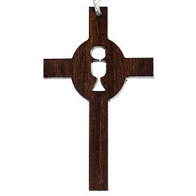 dunkles Holzkreuz für Erstkommunion durchbrochen gearbeitet, Motiv Kelch und Hostie s1