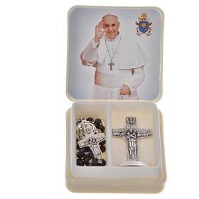 Różaniec mahoniowy i krzyż Papieża Franciszka s1