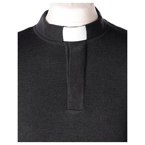 Sweter 50% merynos 50% kołnierzyk kapłański antracyt In Primis 2