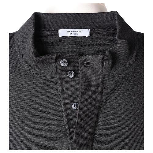 Sweter 50% merynos 50% kołnierzyk kapłański antracyt In Primis 6
