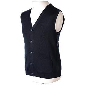 Chaleco sacerdote azul abierto con bolsillos y botones In Primis s3