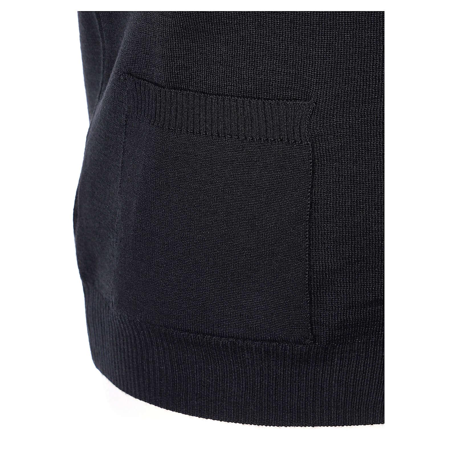 Colete sacerdote preto aberto com bolsos e botões In Primis 4