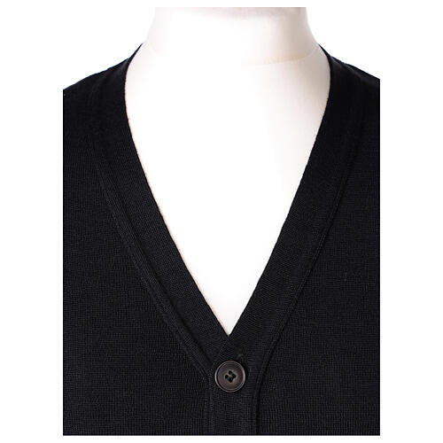 Black button-front cardigan for clergymen with pockets In Primis 2
