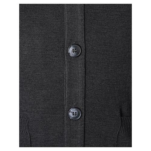 Colete sacerdote antracite aberto com bolsos e botões In Primis 4