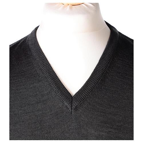 V-neck sleeveless clergy jumper grey plain knit 50% merino wool 50% acrylic In Primis 2