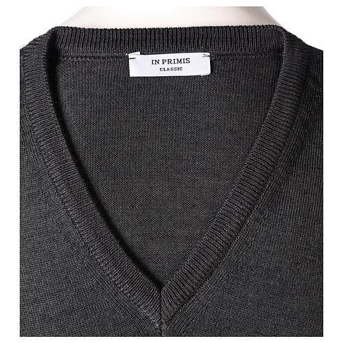 V-neck sleeveless clergy jumper grey plain knit 50% merino wool 50% acrylic In Primis 5