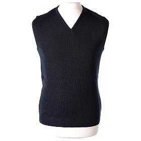 Pull sans manches prêtre bleu col en V jersey simple 50% acrylique 50% laine mérinos In Primis s1