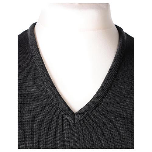 Chaleco sacerdote gris antracita cuello V punto unido 50% lana merina 50% acrílico In Primis 2