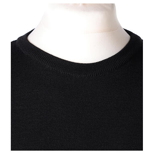 Crew neck clergy black jumper plain fabric 50% acrylic 50% merino wool In Primis 2