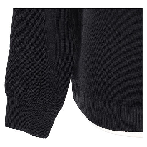 Crew neck clergy black jumper plain fabric 50% acrylic 50% merino wool In Primis 4