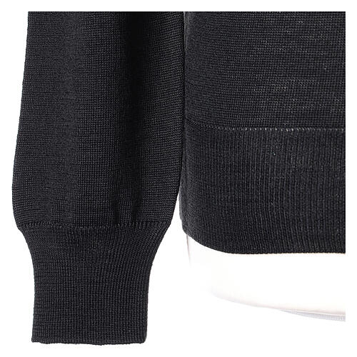 Crew neck black plain knitted jumper for clergymen 50% acrylic 50% merino wool In Primis 3