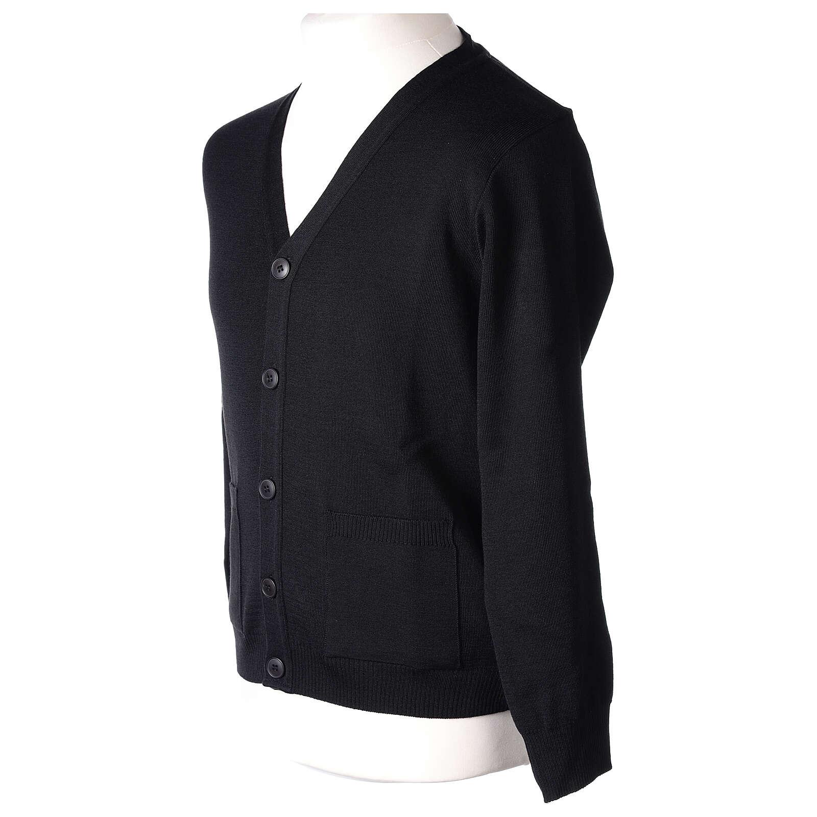 Casaco de malha sacerdote preto bolsos e botões 50% lã de merino 50% acrílico In Primis 4