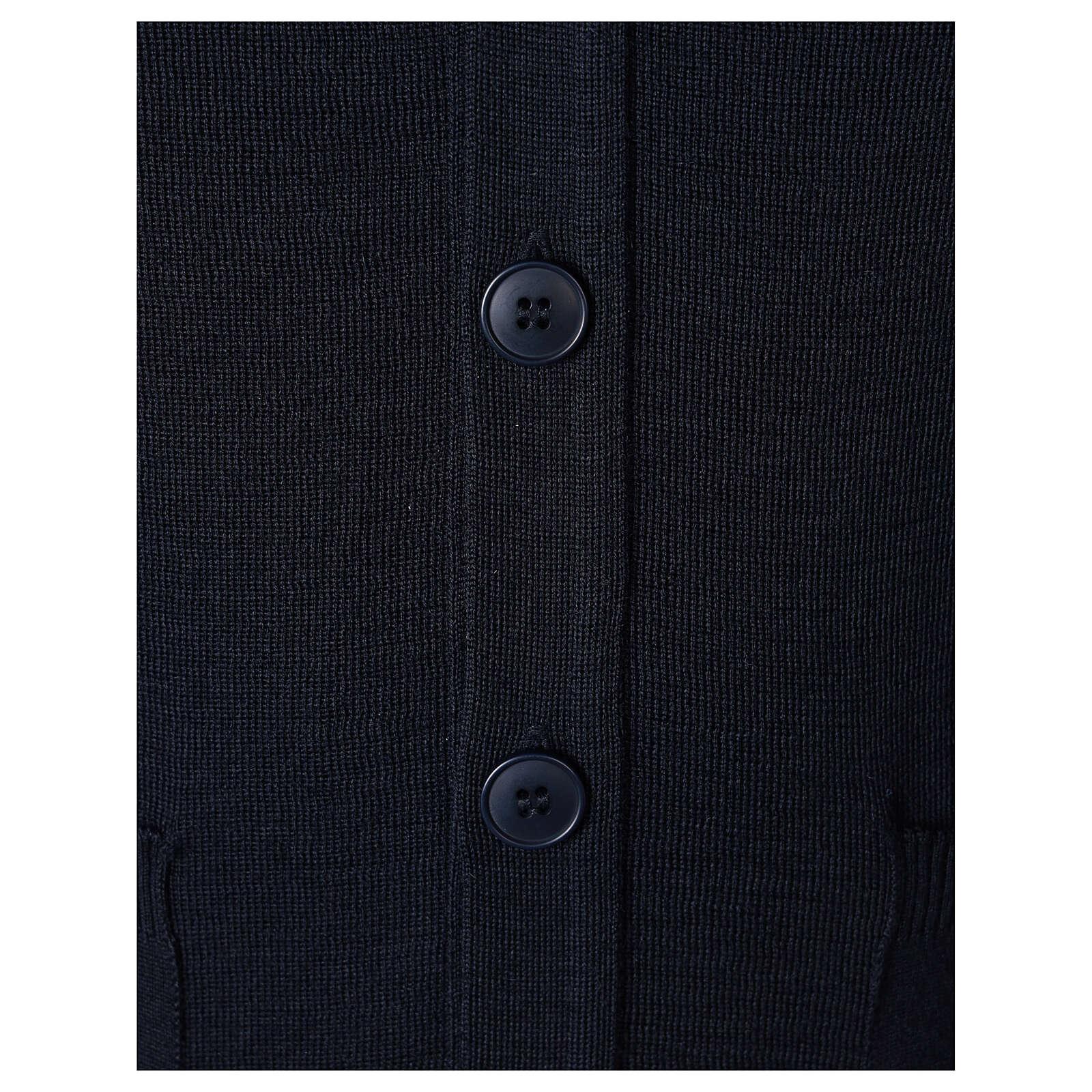 Sweter rozpinany na guziki dla księdza granatowy kieszonki 50% wełna merynos 50% akryl In Primis 4