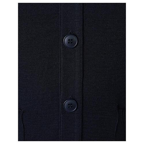 Casaco de malha sacerdote azul escuro bolsos e botões 50% lã de merino 50% acrílico In Primis 4