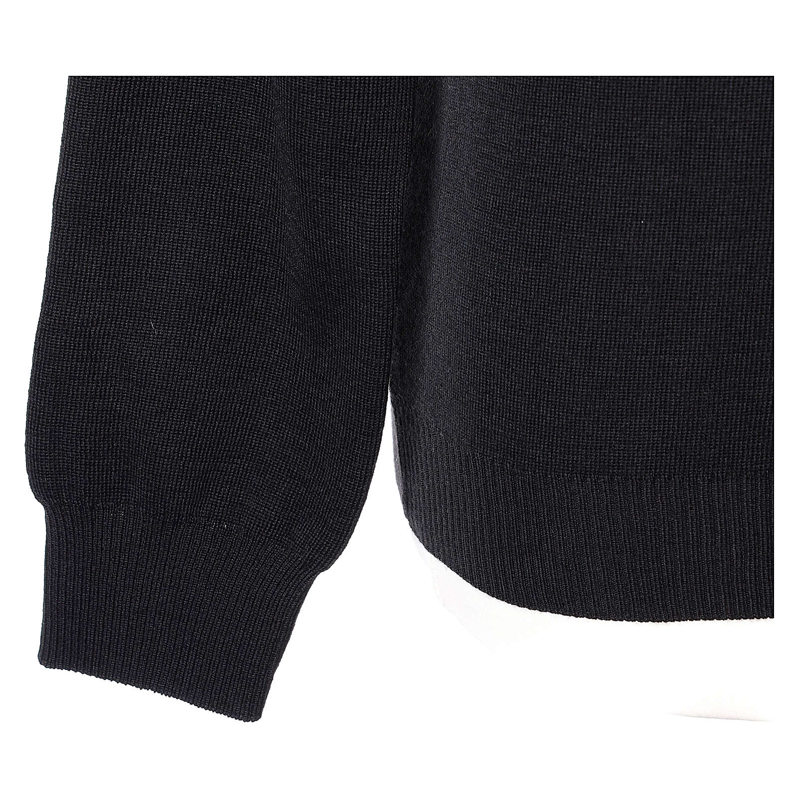Pull col en V noir prêtre en tricot uni 50% laine mérinos 50% acrylique 4