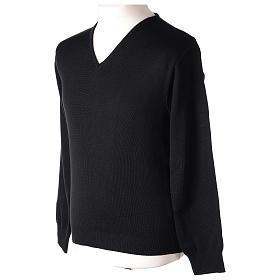 Pull col en V noir prêtre en tricot uni 50% laine mérinos 50% acrylique s3