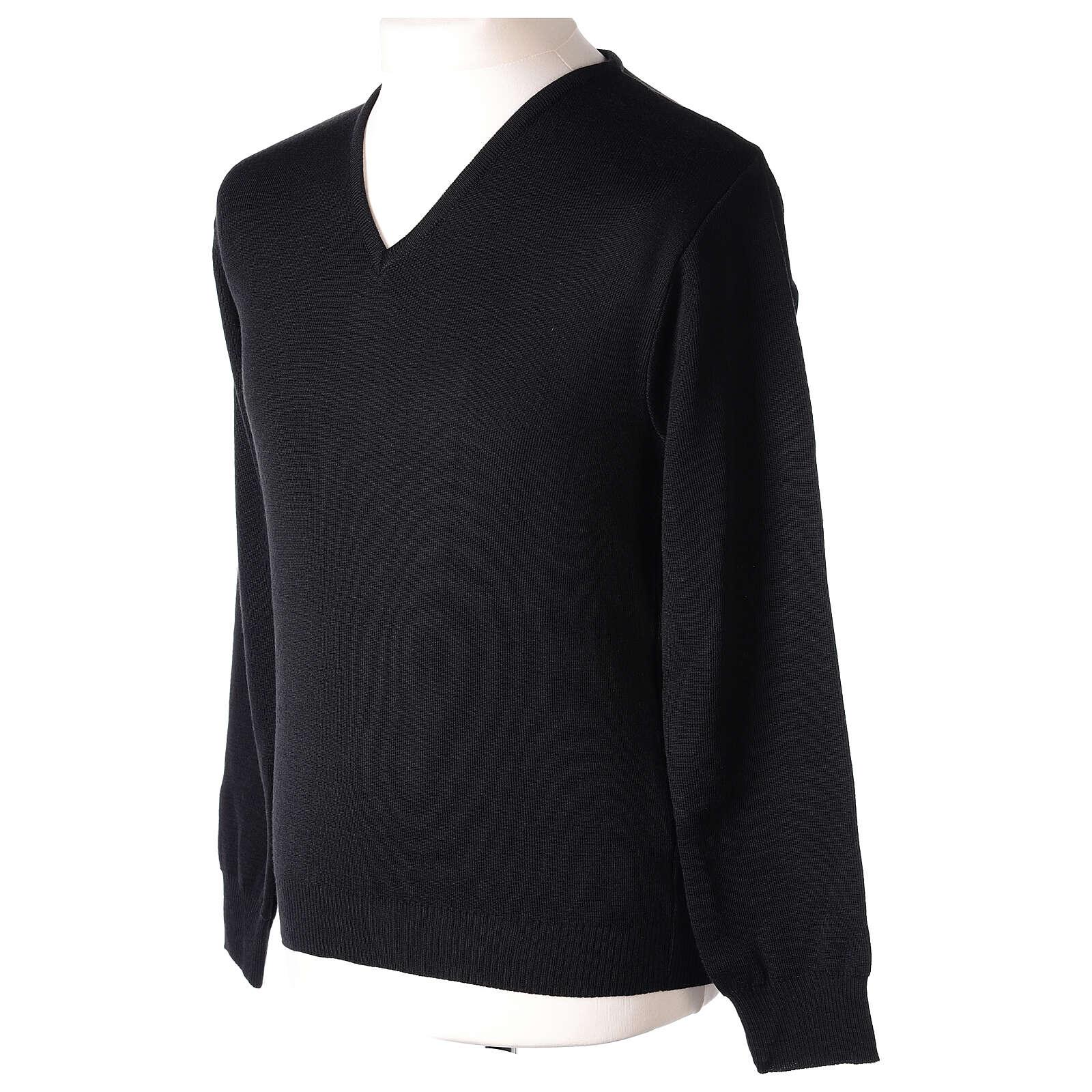 V-neck black clergy jumper plain fabric 50% acrylic 50% merino wool 4