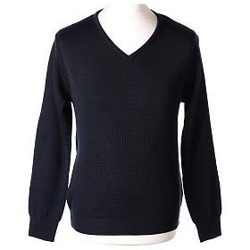 Pull col en V bleu prêtre en tricot uni 50% laine mérinos 50% acrylique In Primis s1