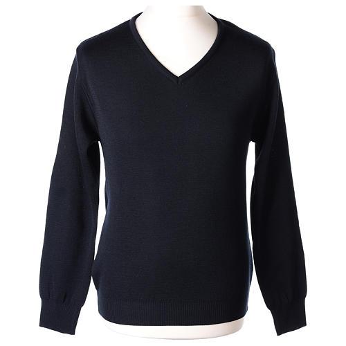 Pull col en V bleu prêtre en tricot uni 50% laine mérinos 50% acrylique In Primis 1