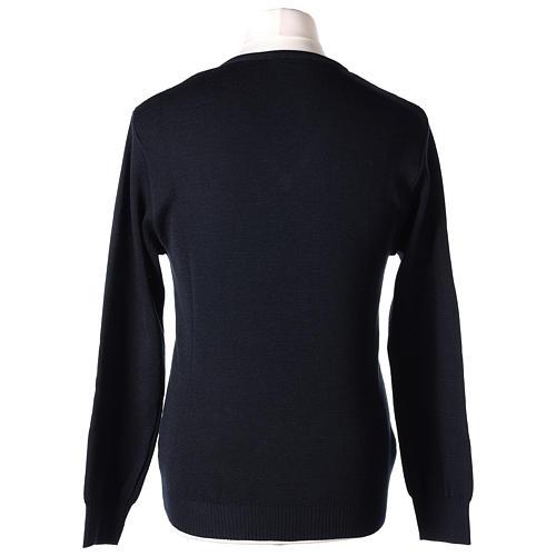 Pull col en V bleu prêtre en tricot uni 50% laine mérinos 50% acrylique In Primis 5