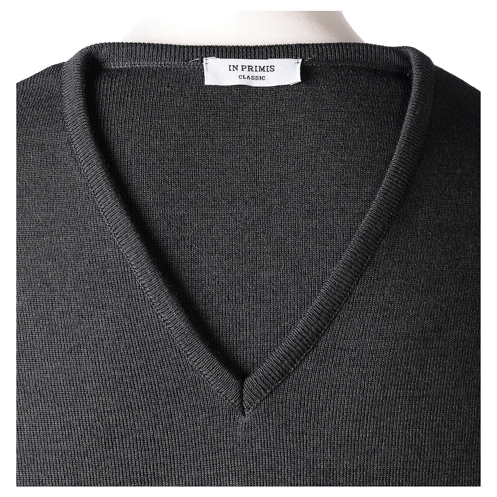 V-neck grey clergy jumper plain fabric 50% acrylic 50% merino wool 4