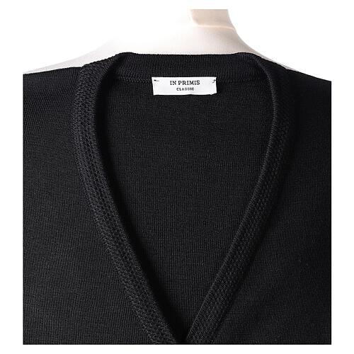 Gilet noir pour soeur avec poches col en V 50% acrylique 50% laine mérinos In Primis 7